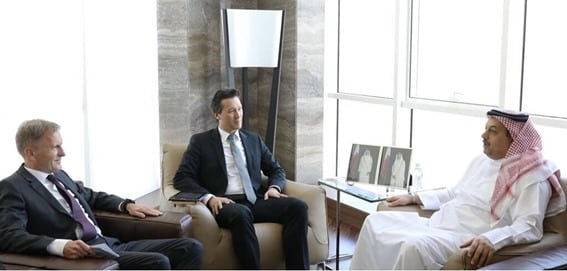 Defence Minister meets Airbus official