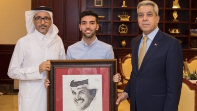 Amir's portrait gifted to Minister of Sports