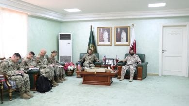 Commander of the Amiri Air Defense Forces meets with the commander of the US Central Command