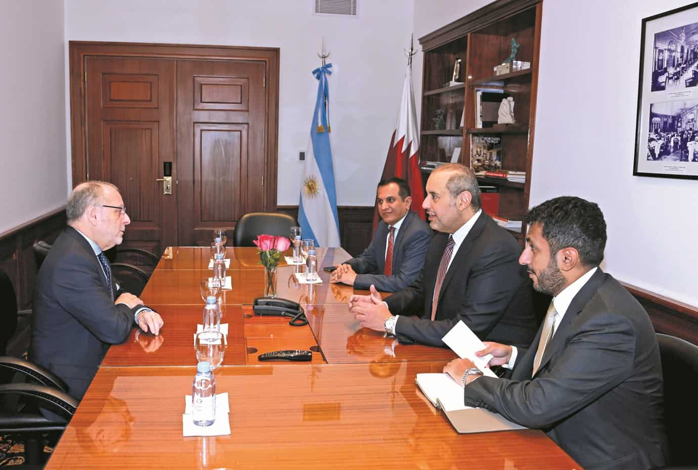 Minister of Economy and Commerce holds talks with Argentine ministers